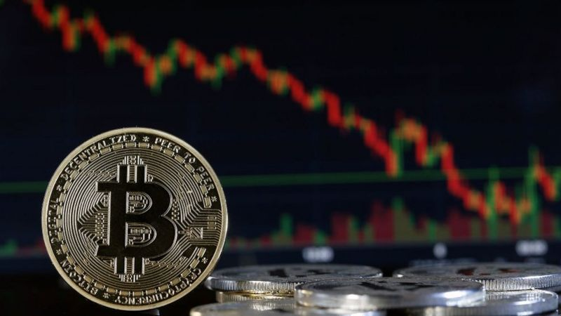 Bitcoin Ethereum Dogecoin Are investors turning from crypto money to gold